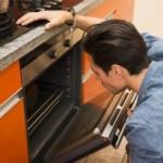 Témoignez à votre cuisinière  des  gestes d'attention et vous la conserverez plus longtemps